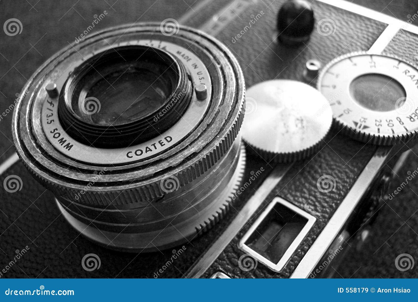 Appareil-photo de cru, noir et blanc