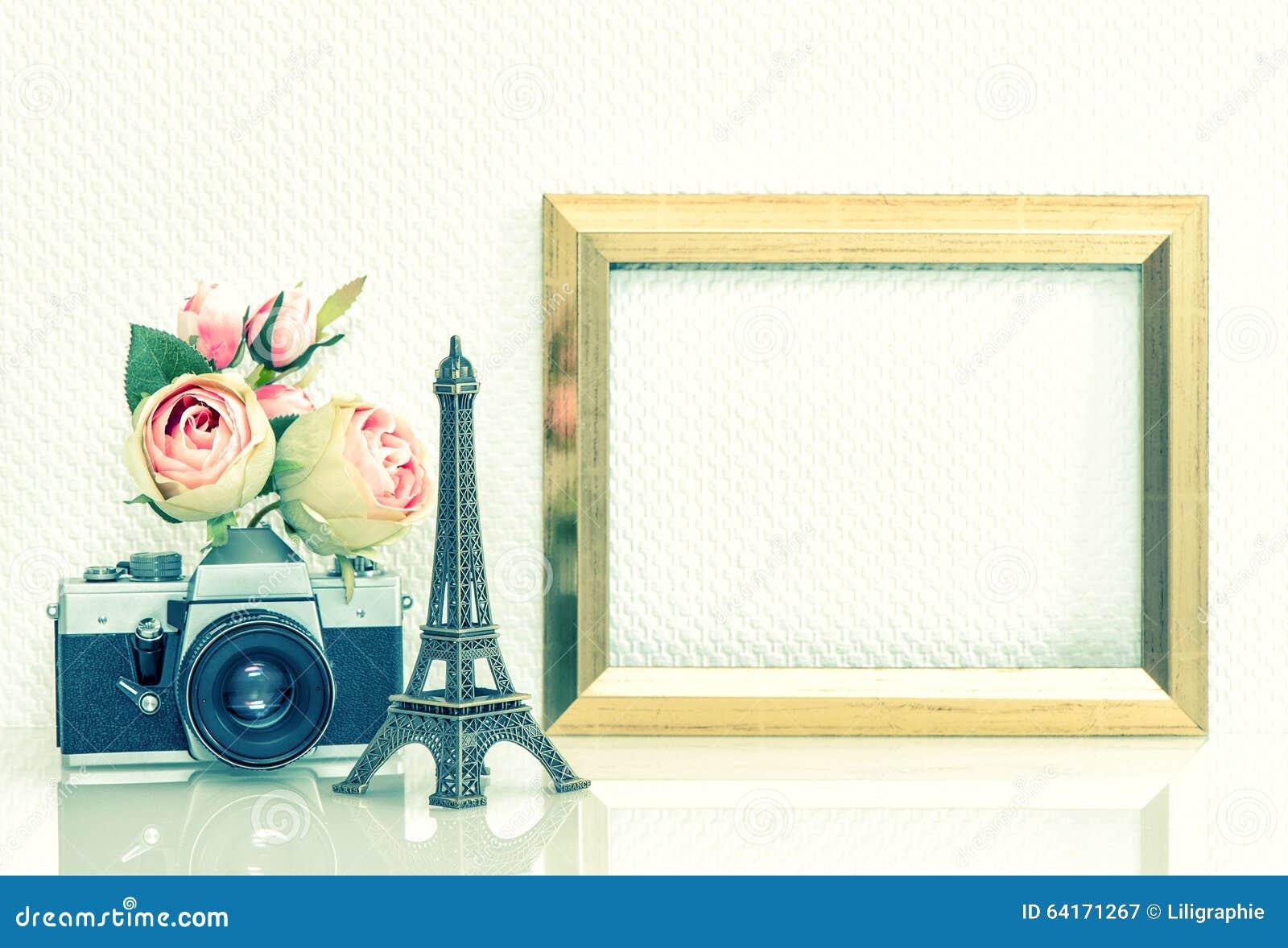 Appareil photo rose de vintage de fleurs de cadre de for Image de cadre de tableau