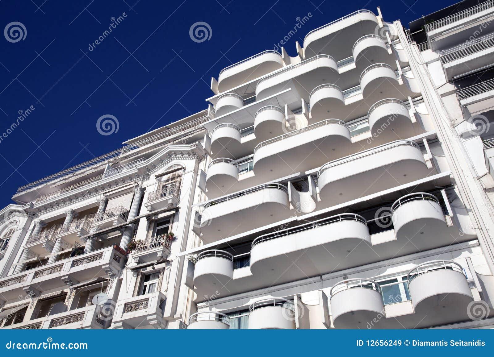 Appartamenti balconi moderni immagine stock immagine for Appartamenti moderni foto