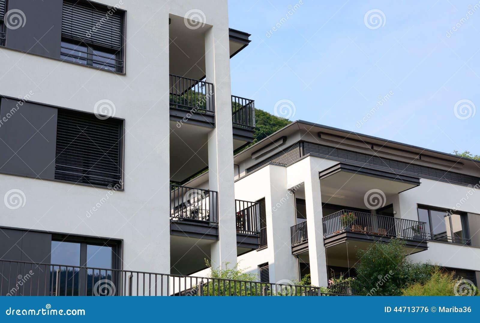 Appartamenti di lusso moderni fotografia stock immagine for Immagini appartamenti moderni