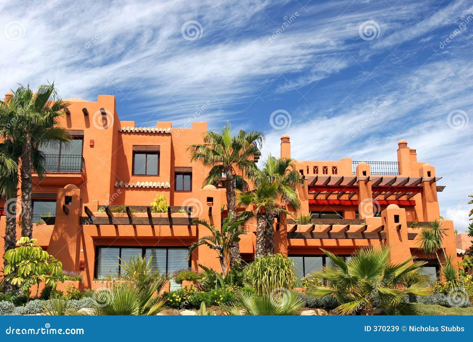 appartamenti e giardini di lusso su urbanizzazione in