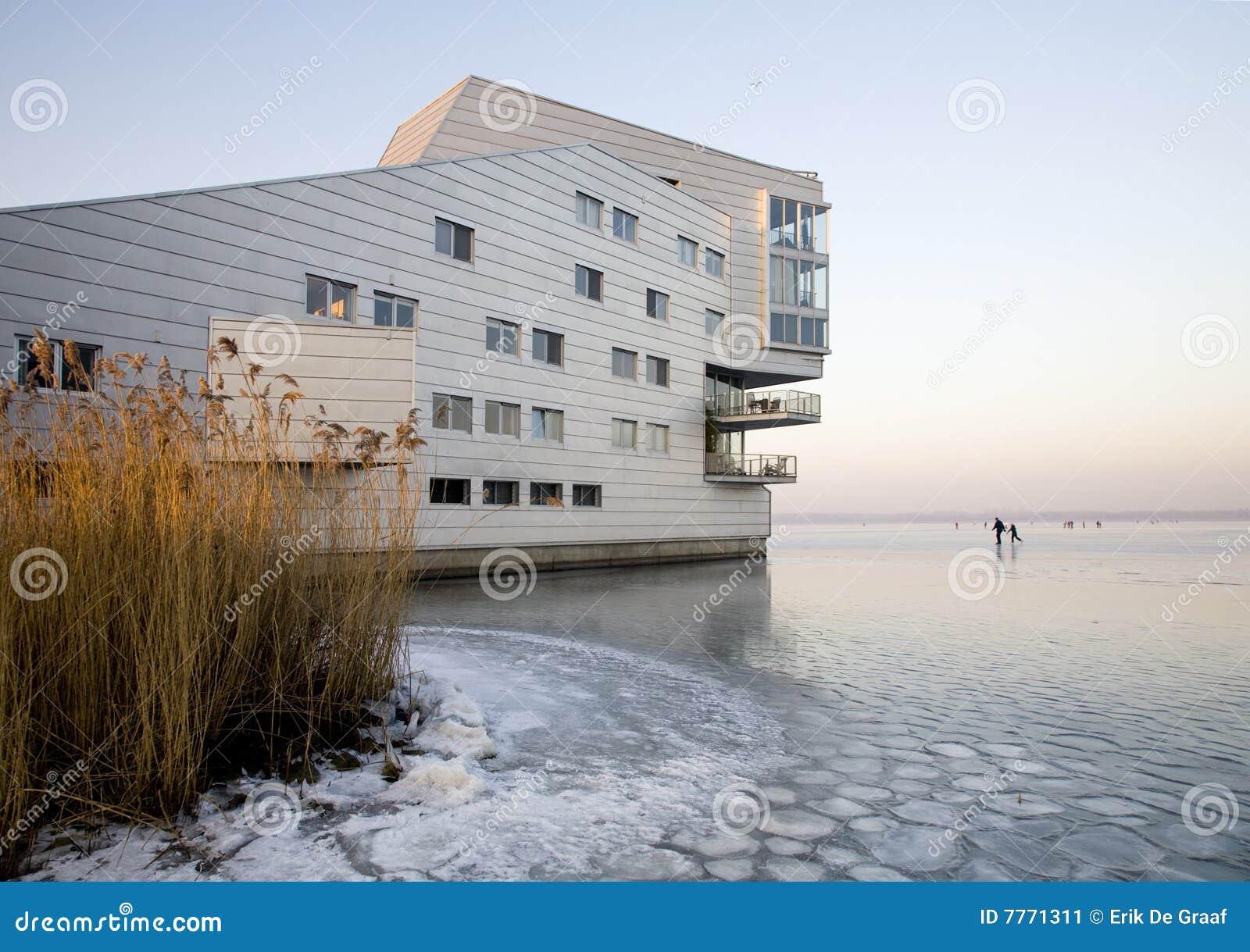 Appartamenti moderni immagine stock immagine di olanda for Foto appartamenti moderni