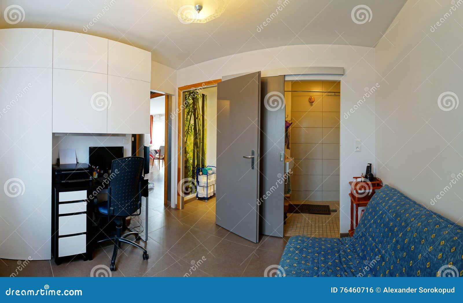 Appartamento In Famiglia Della Piccola E Camera Da Letto ...