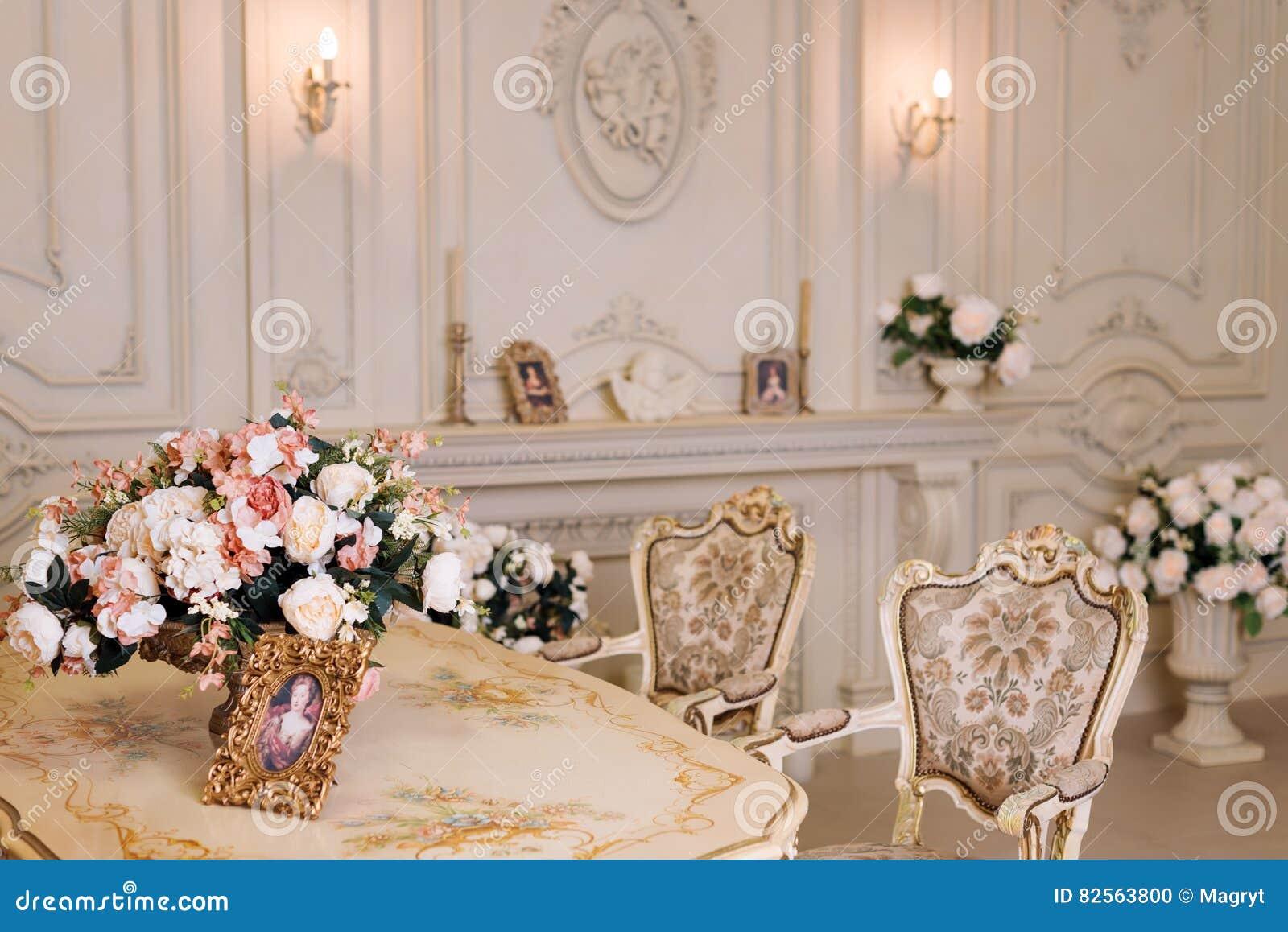 Decoration Interieur Appartement Vintage appartement de luxe, salon classique confortable intérieur