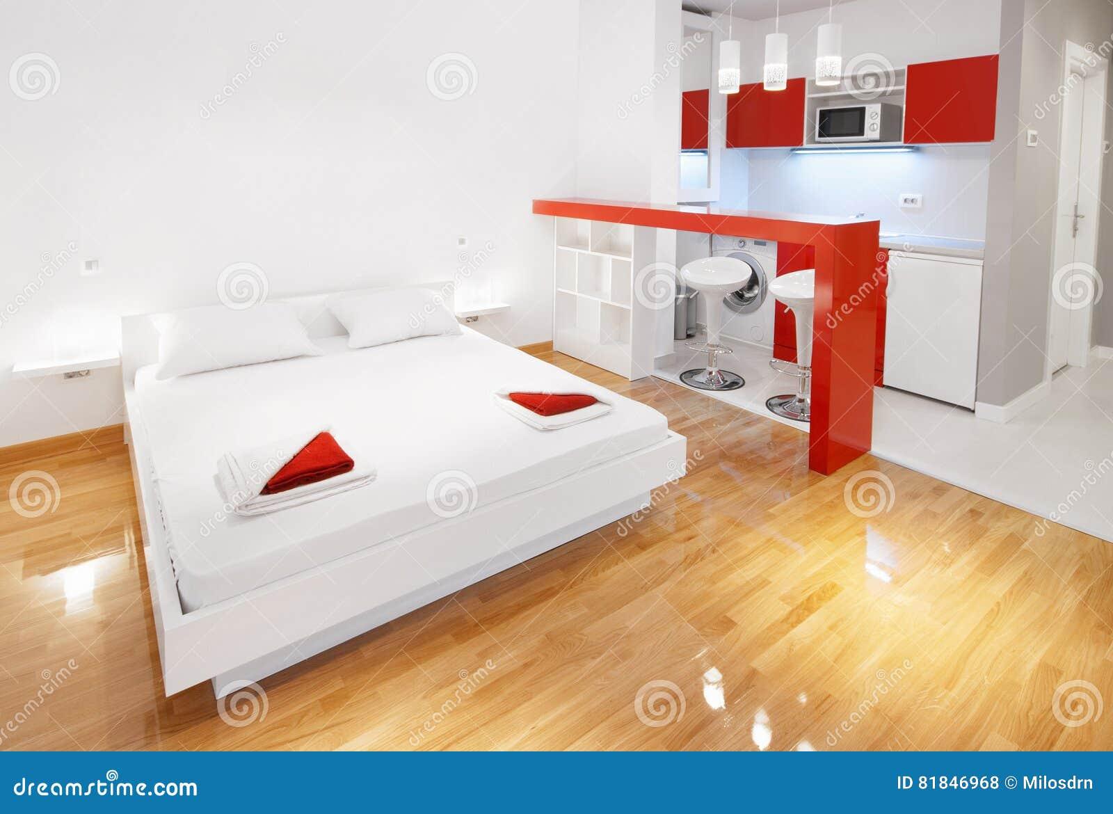 Appartement De Studio Ou Chambre à Coucher Moderne D\'hôtel En Rouge ...