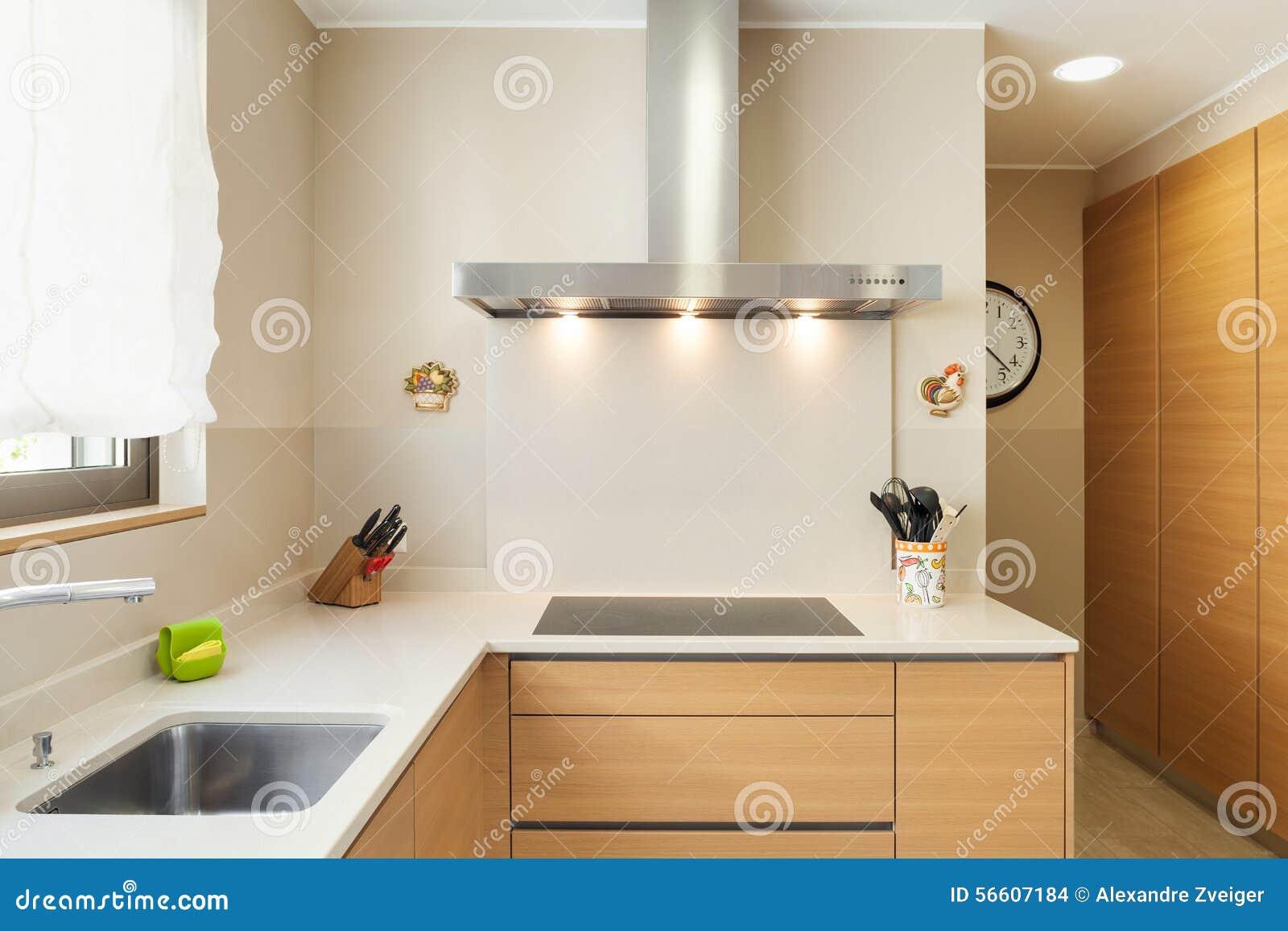 Appartement meublé, cuisine moderne photo stock   image: 56607184