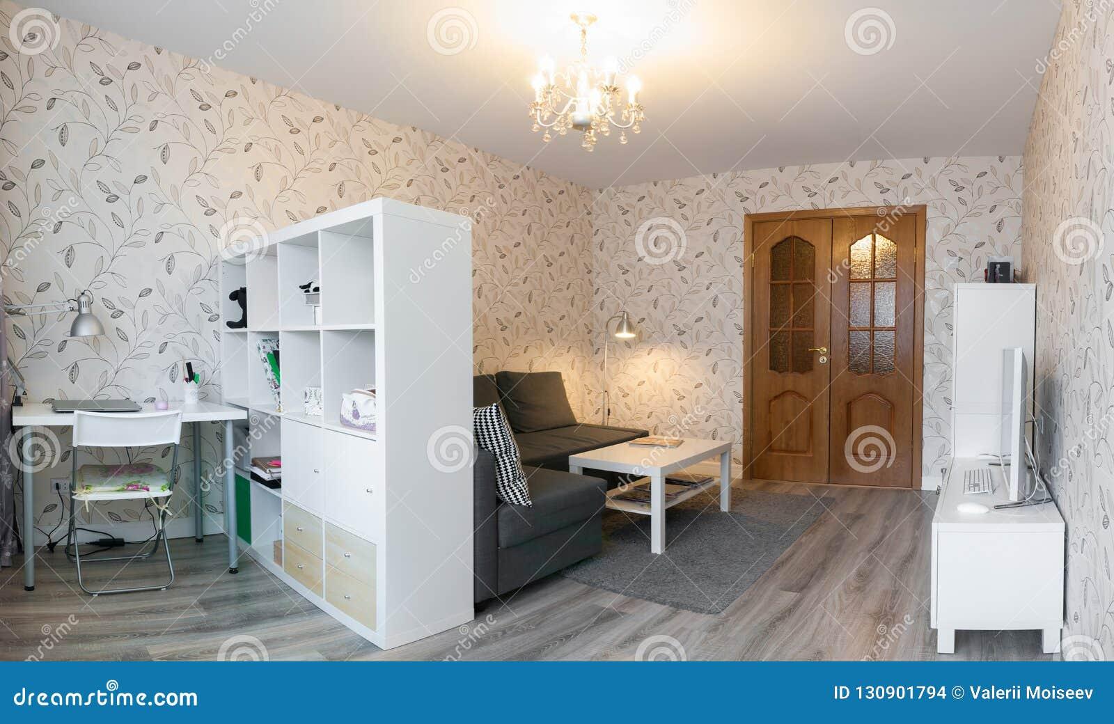 Appartement Moderne Dans Des Couleurs Chaudes Douces, Intérieur ...