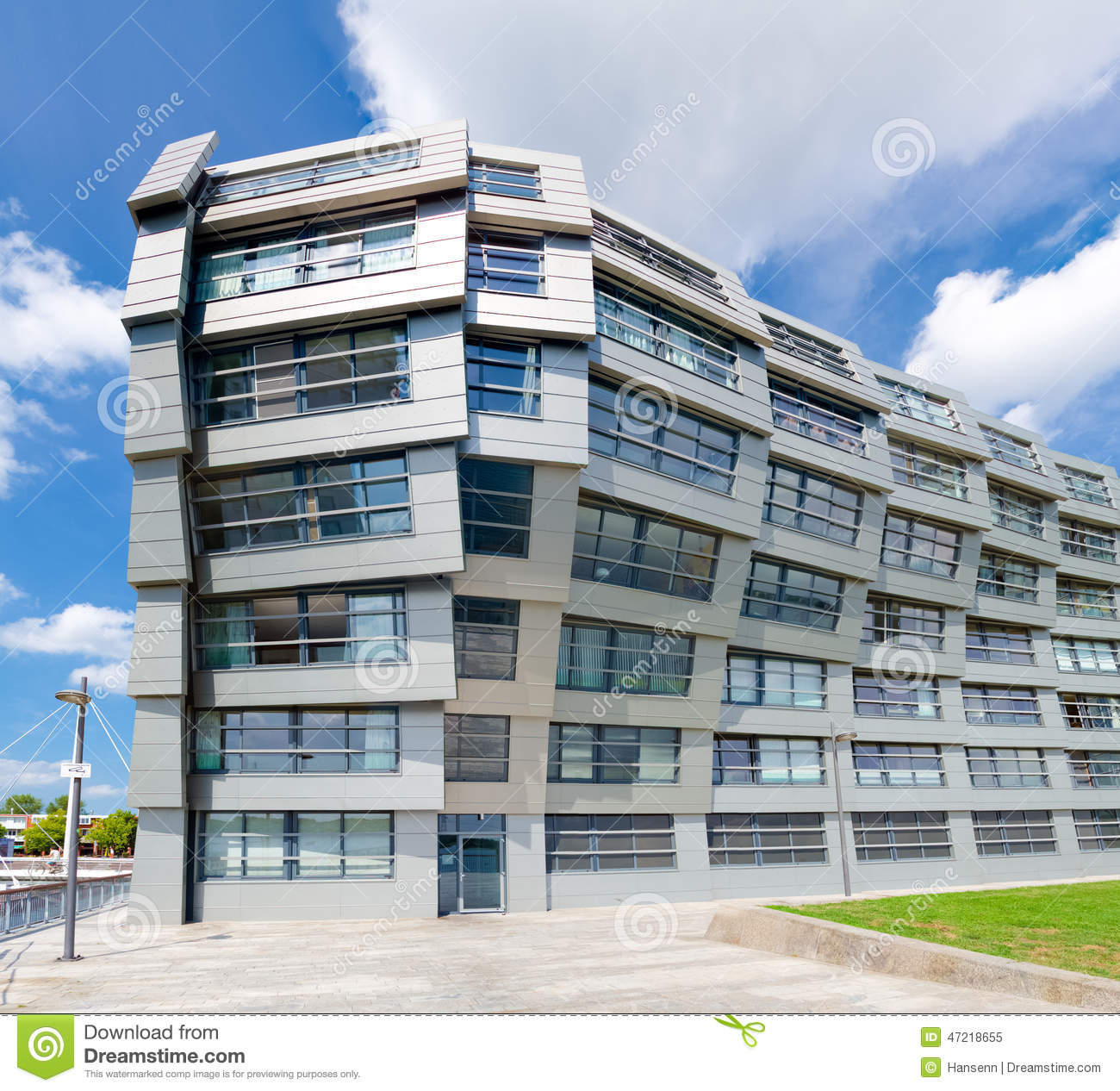 Appartements modernes image ditorial image 47218655 for Appartement exterieur