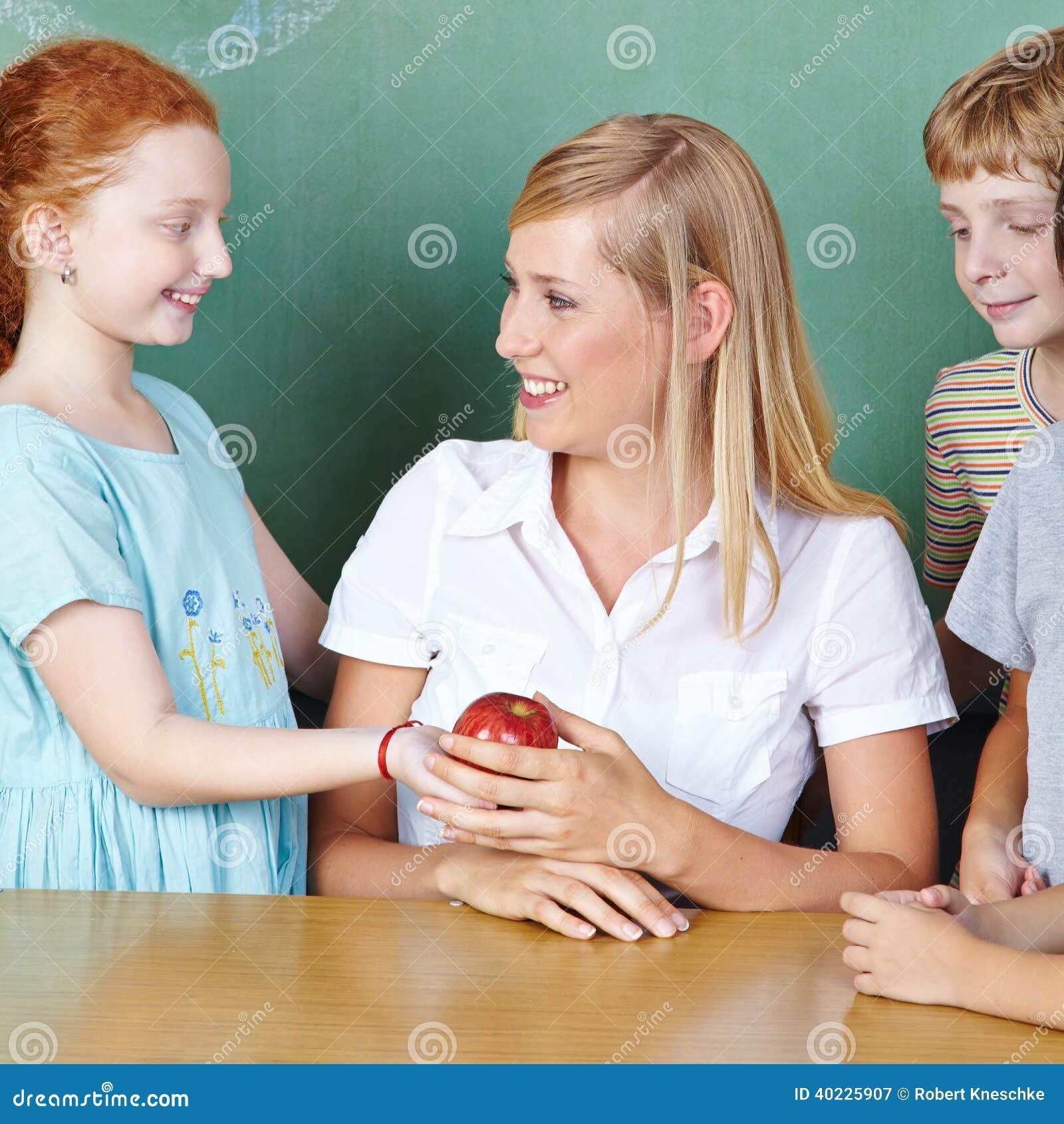 Appel van de studenten de brengende leraar