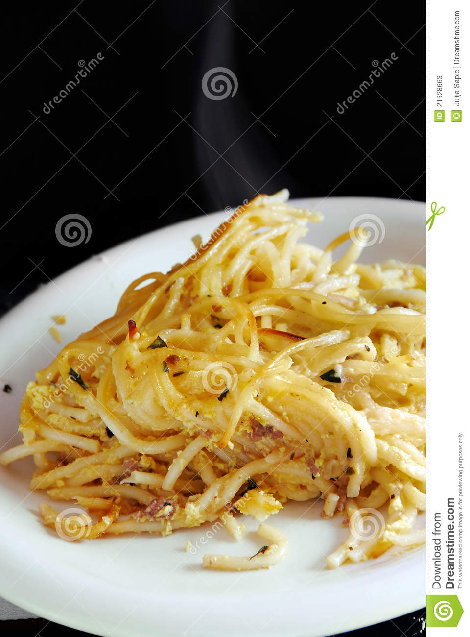 Appetizing spaghetti with chicken