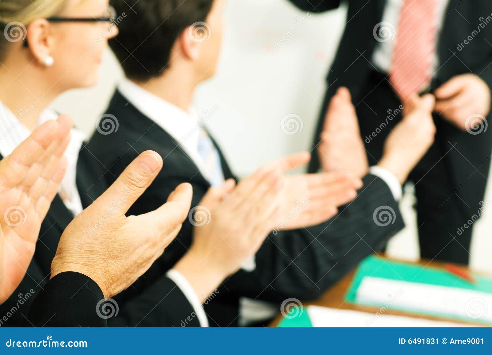 Applaudissements de présentation d affaires