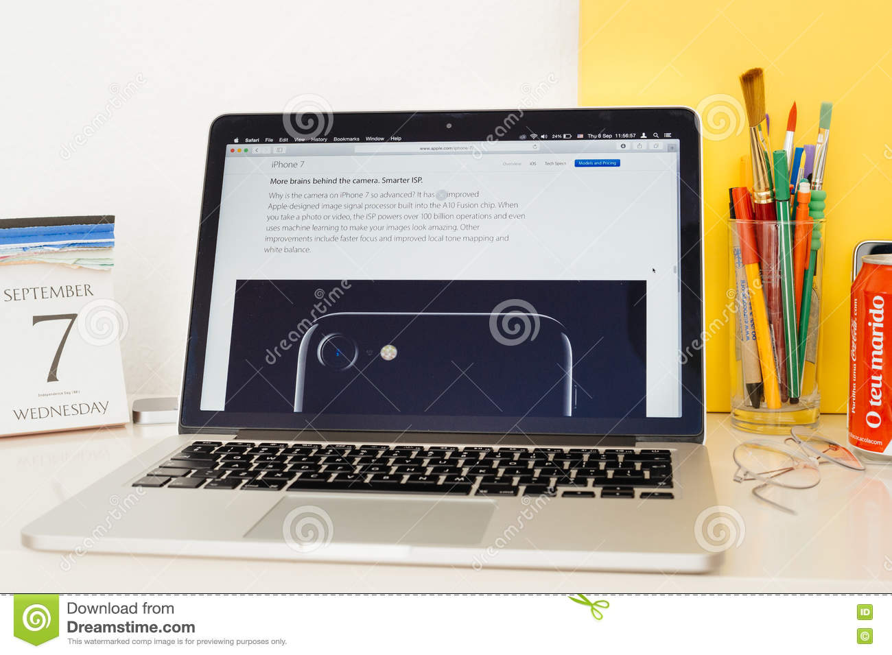 Apple Computers Website Showcasing The Iphone 7 Editorial