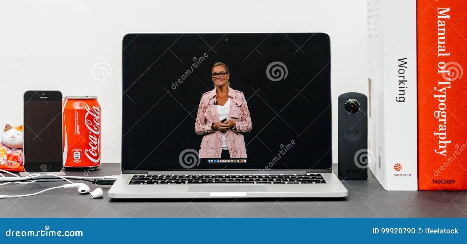 Apple grundtanke med Apple detaljhandelchefen Angela Ahrendts för en reta