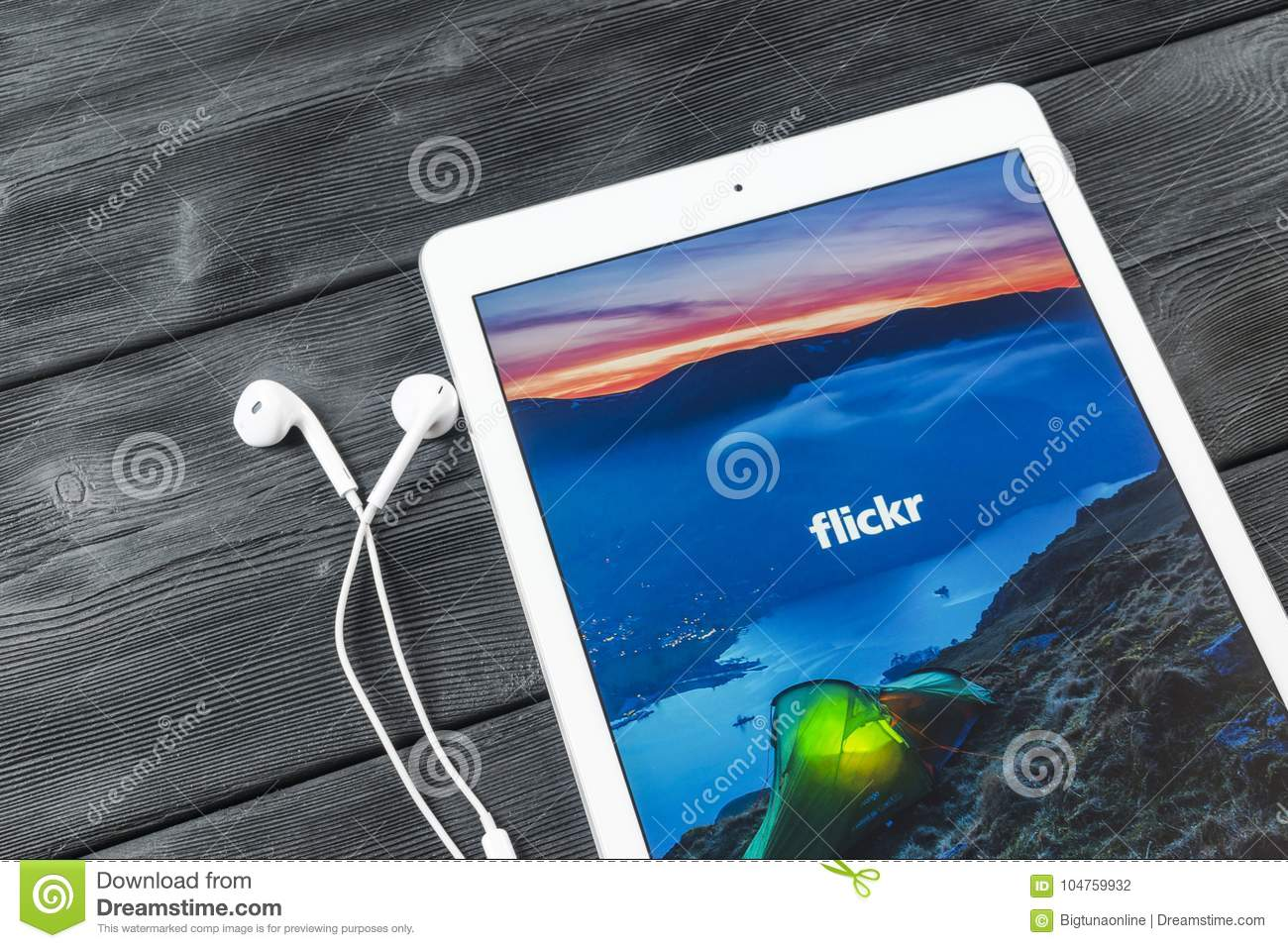 Apple IPad Pro With Flickr Homepage On Monitor Screen
