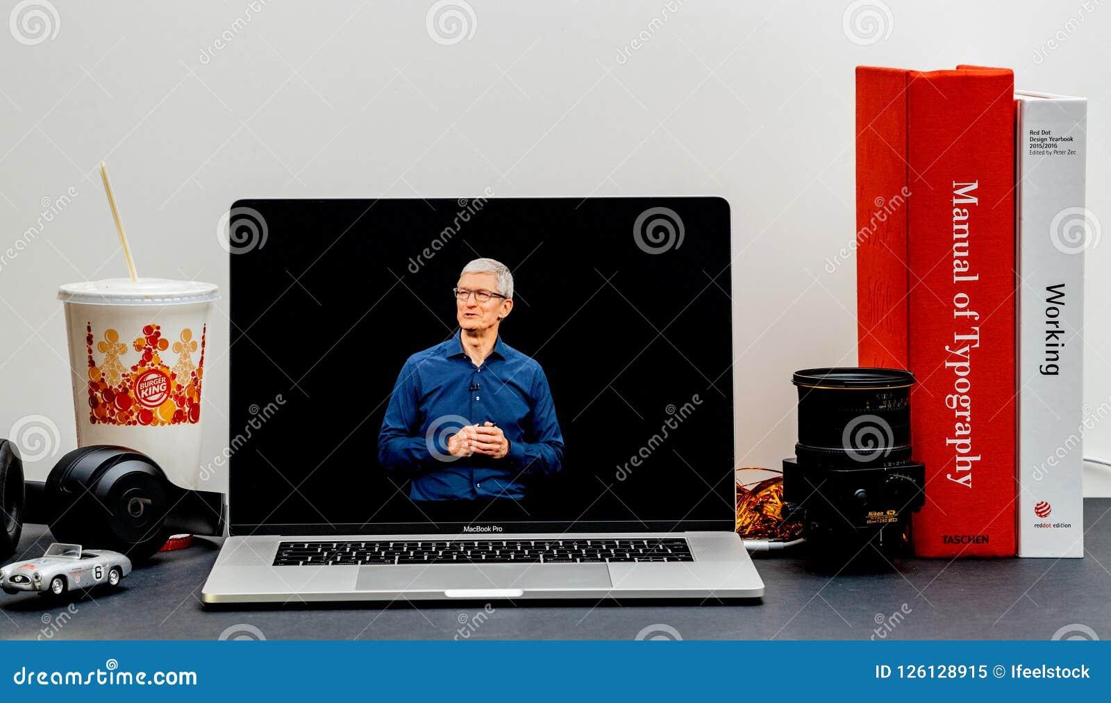 Apple lanseringsiPhone maximal X s och X R Tim Cook