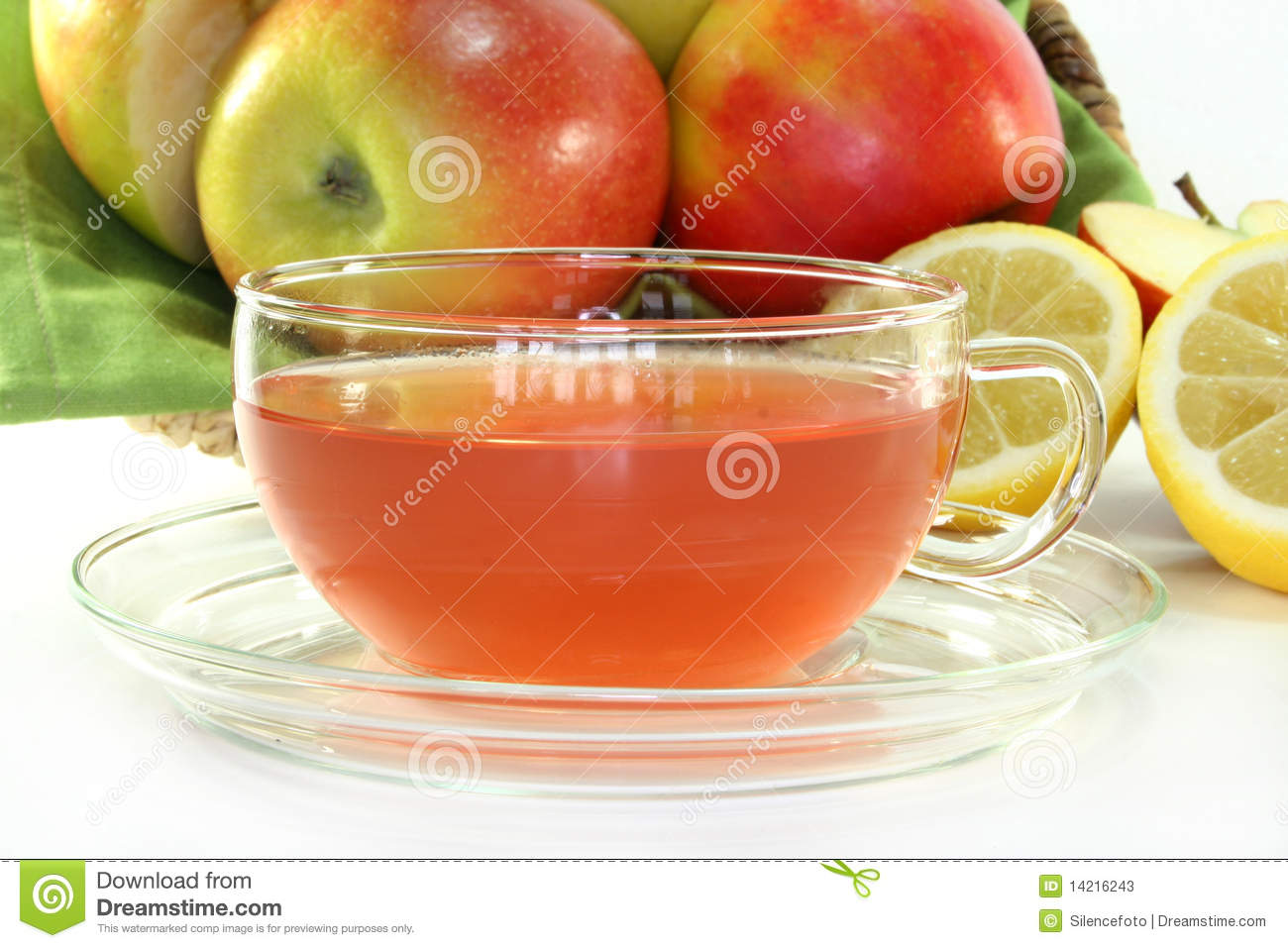 Apple Lemon Tea with fresh apples, lemons and vanilla.