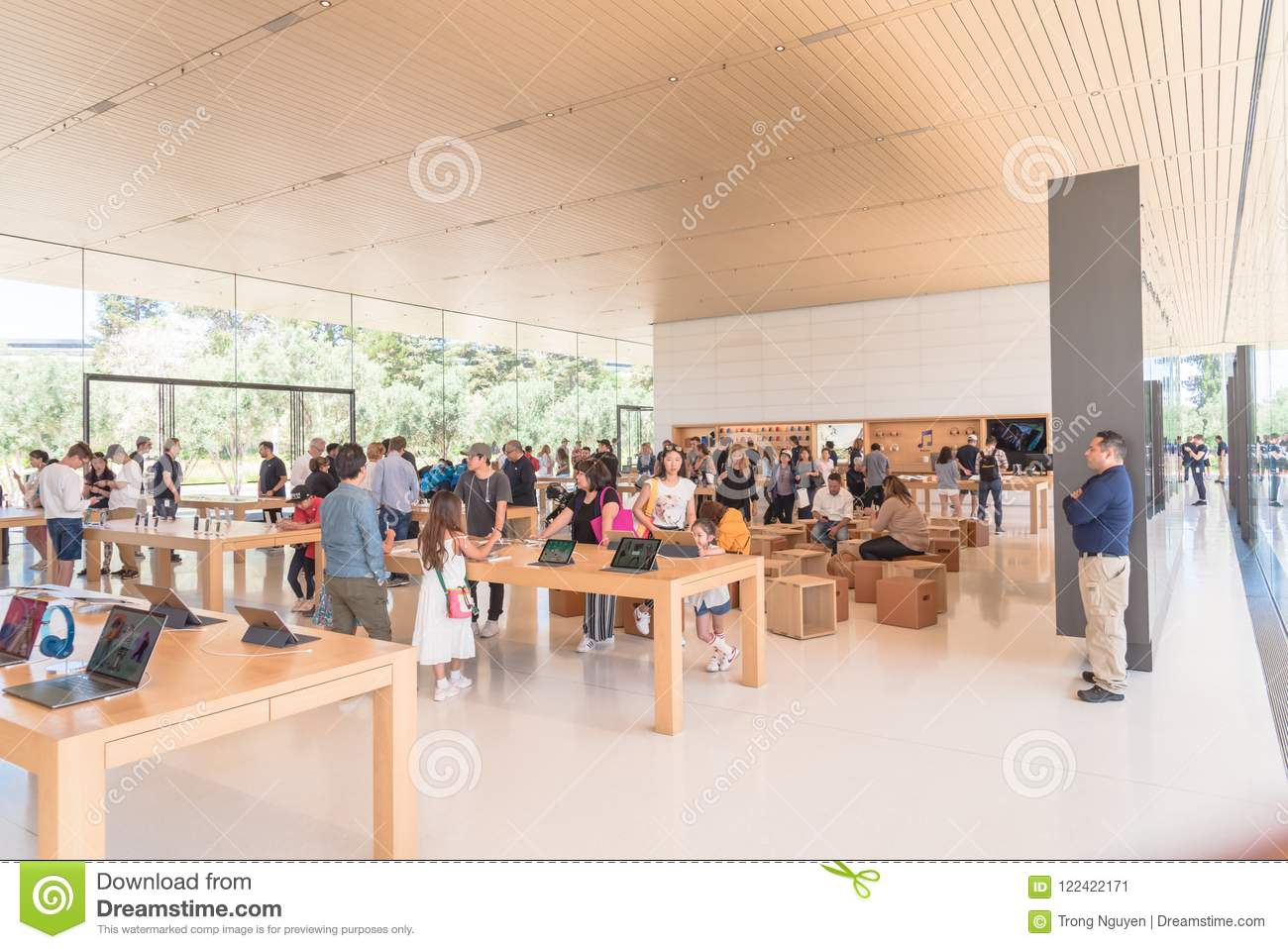 Apple Merchandise Retail Store At Apple Park Visitor Center