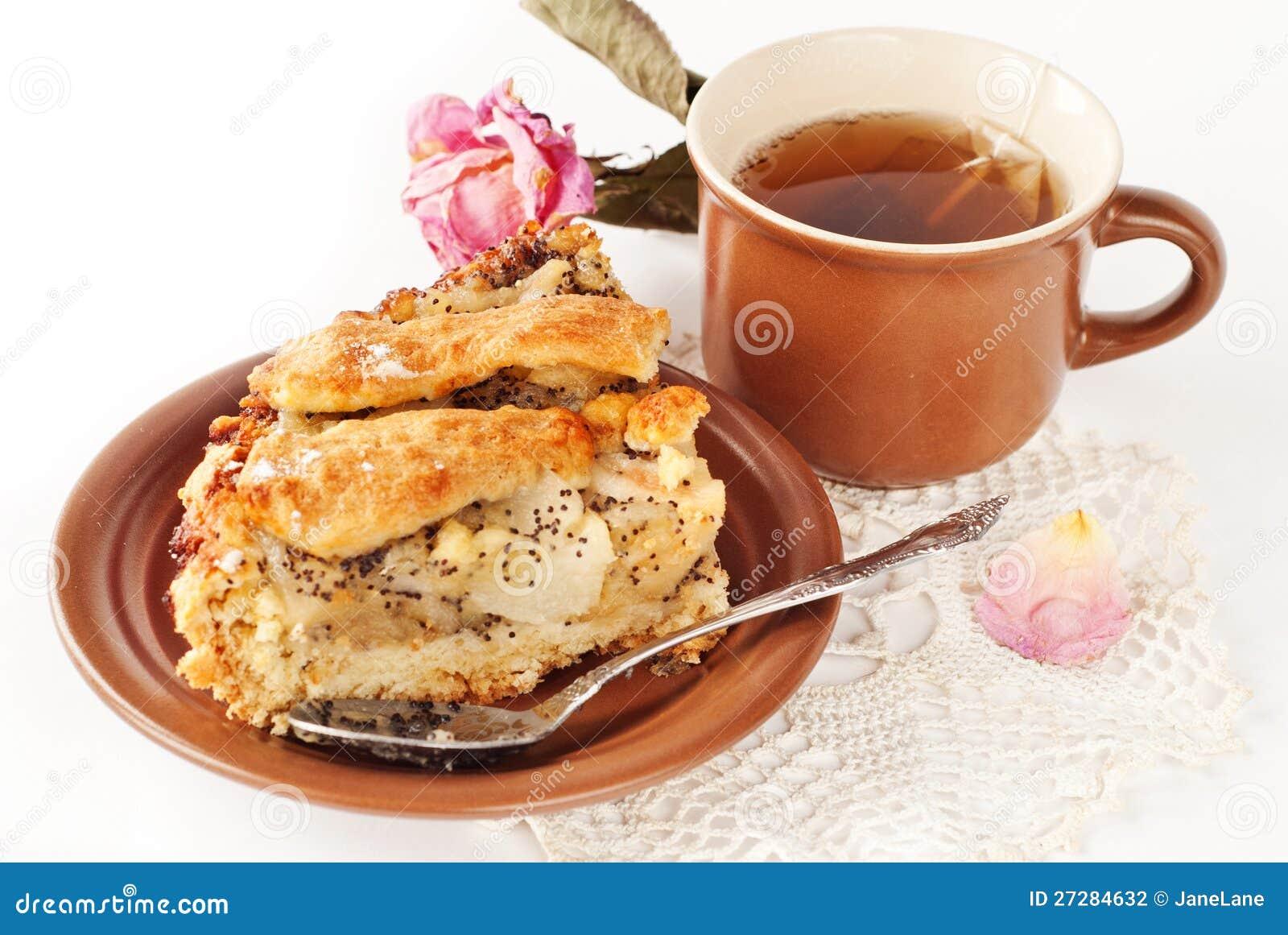 Apple och pearpie med en kopp av tea