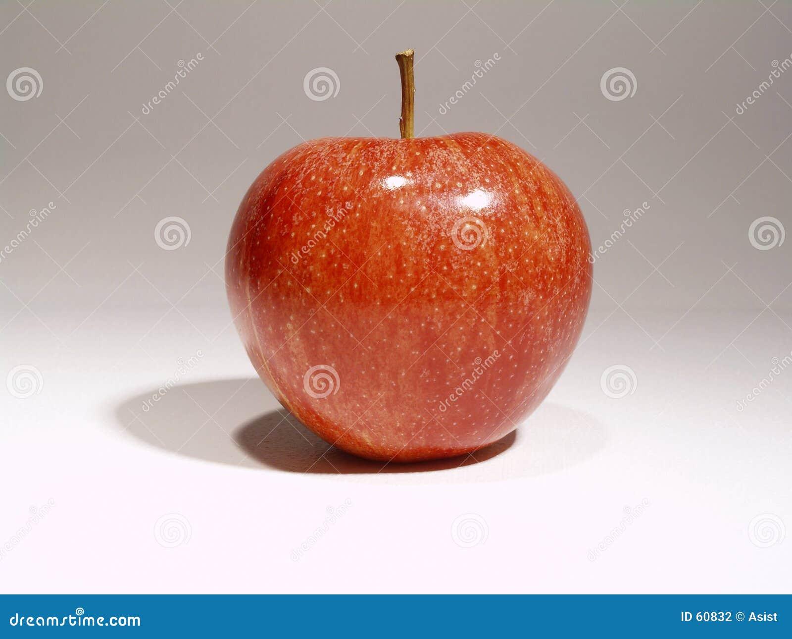 Apple que tienta a la manzana roja