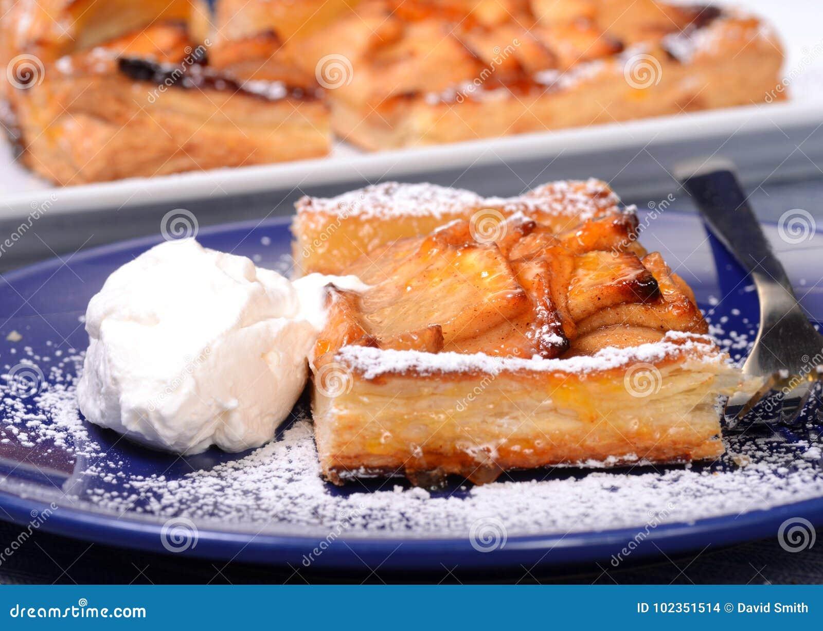 Apple scherp met slagroom en abrikozenglans