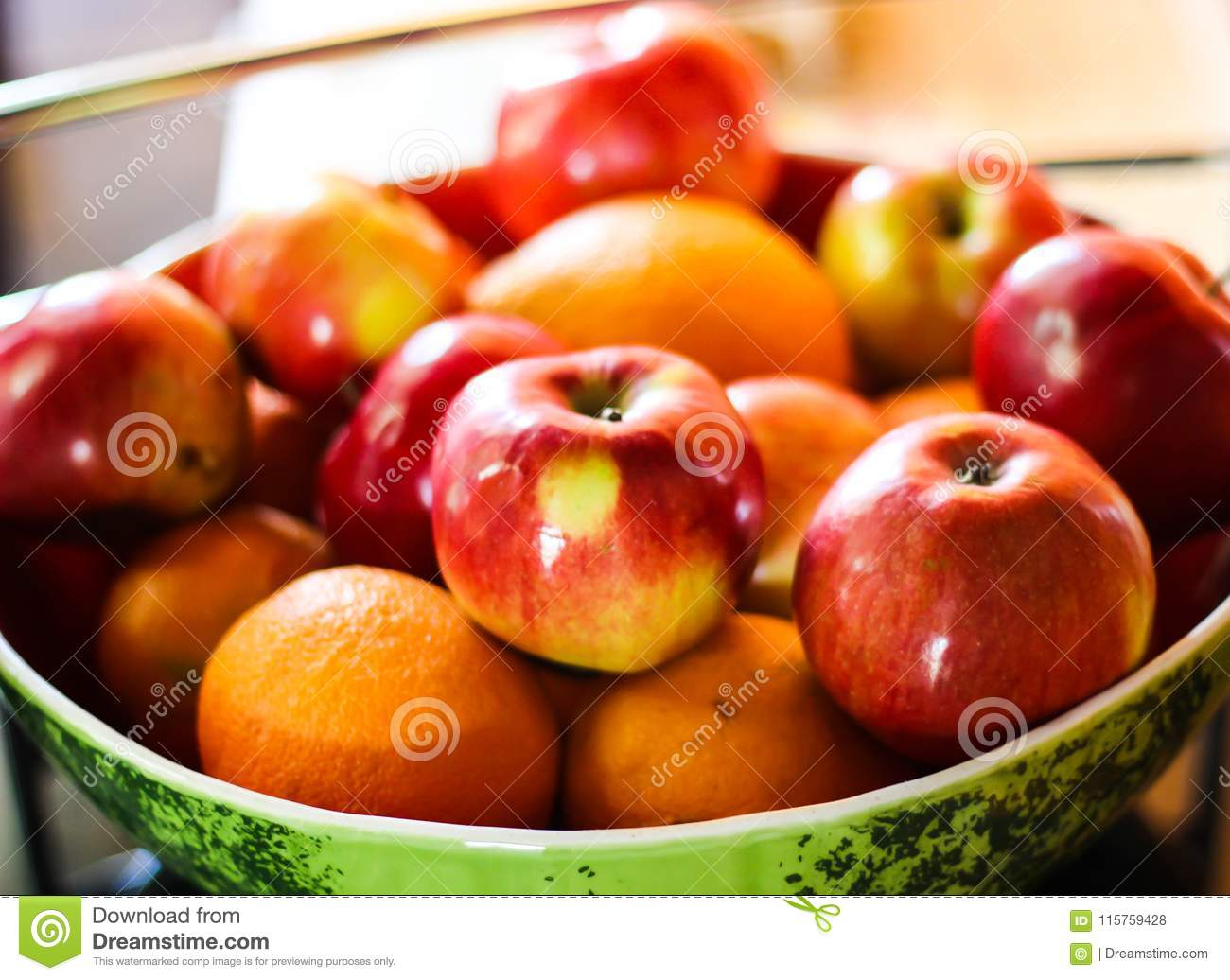Apples and oranges fruit plate