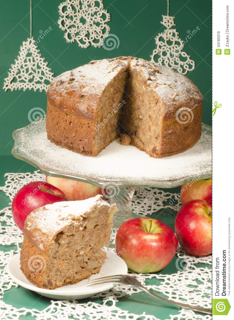 Applesauce raisin rum cake for christmas table. Table decorated with ...