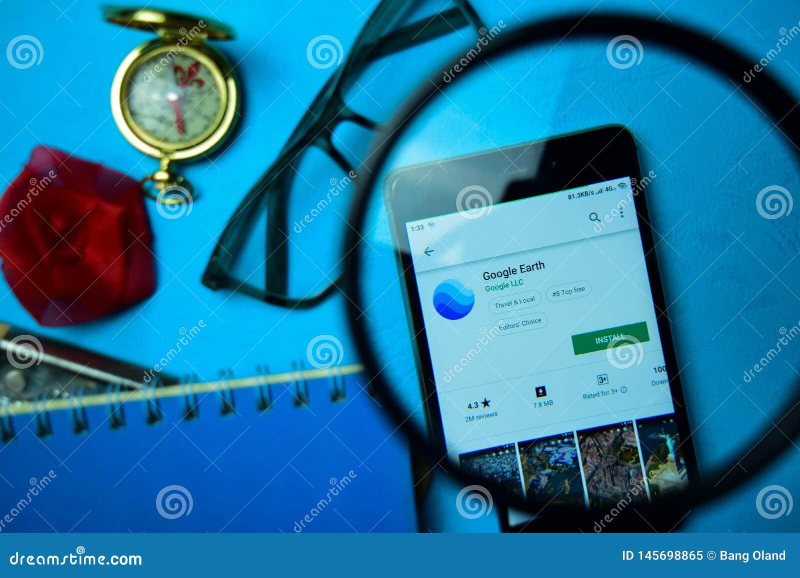 Appli de réalisateur de Google Earth avec l agrandissement sur l écran de Smartphone