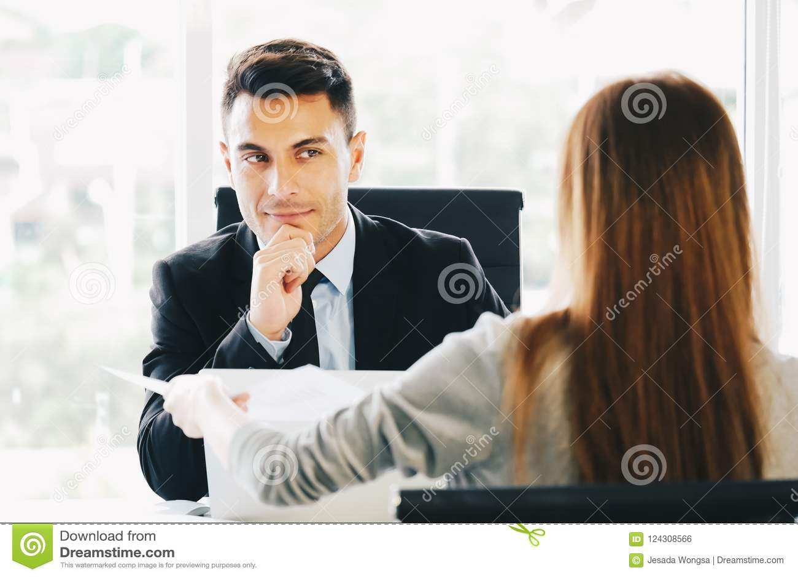 Applicera för nytt jobb, karriärtillfällebegrepp: Utövande representativa intervjuer för ledning eller för rekrytering