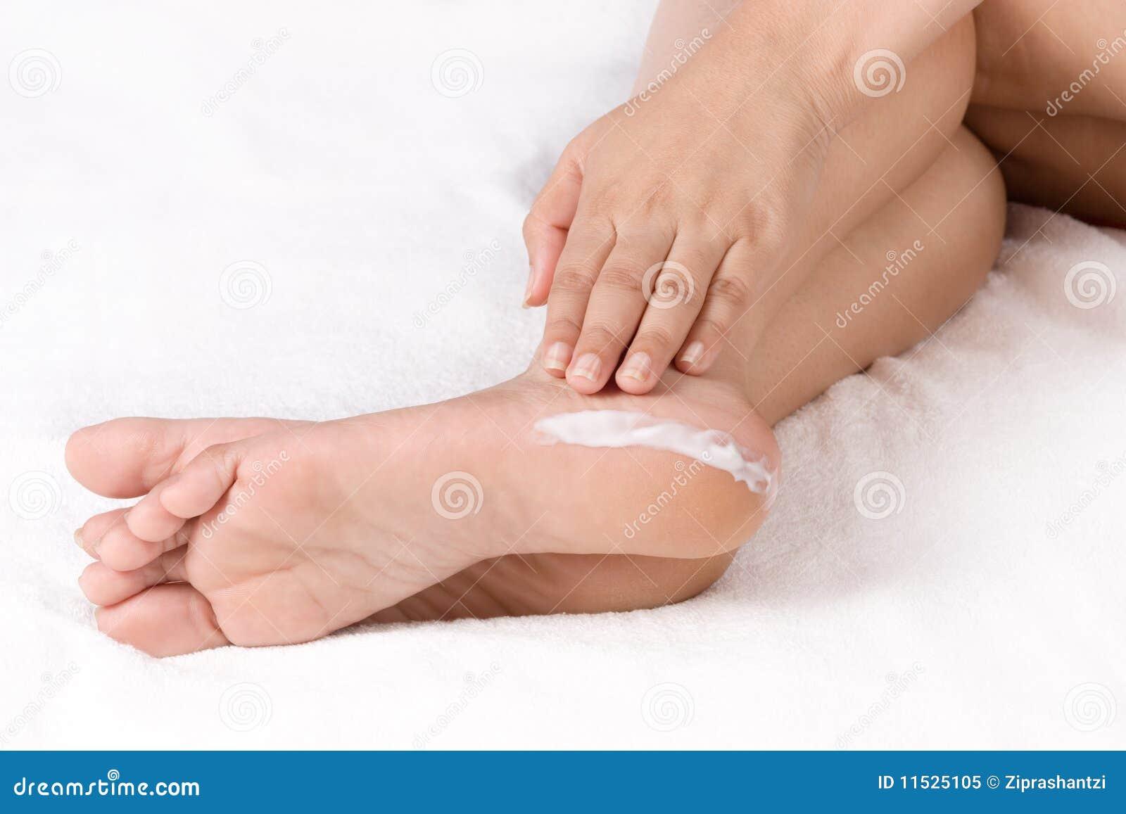 Creamy footjob