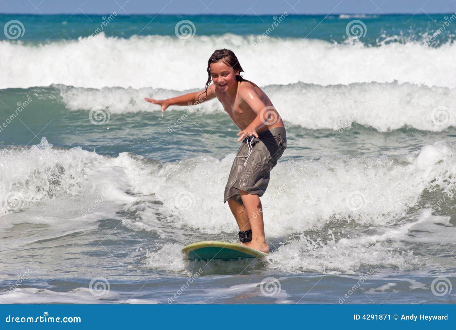 Apprendimento praticare il surfing 03