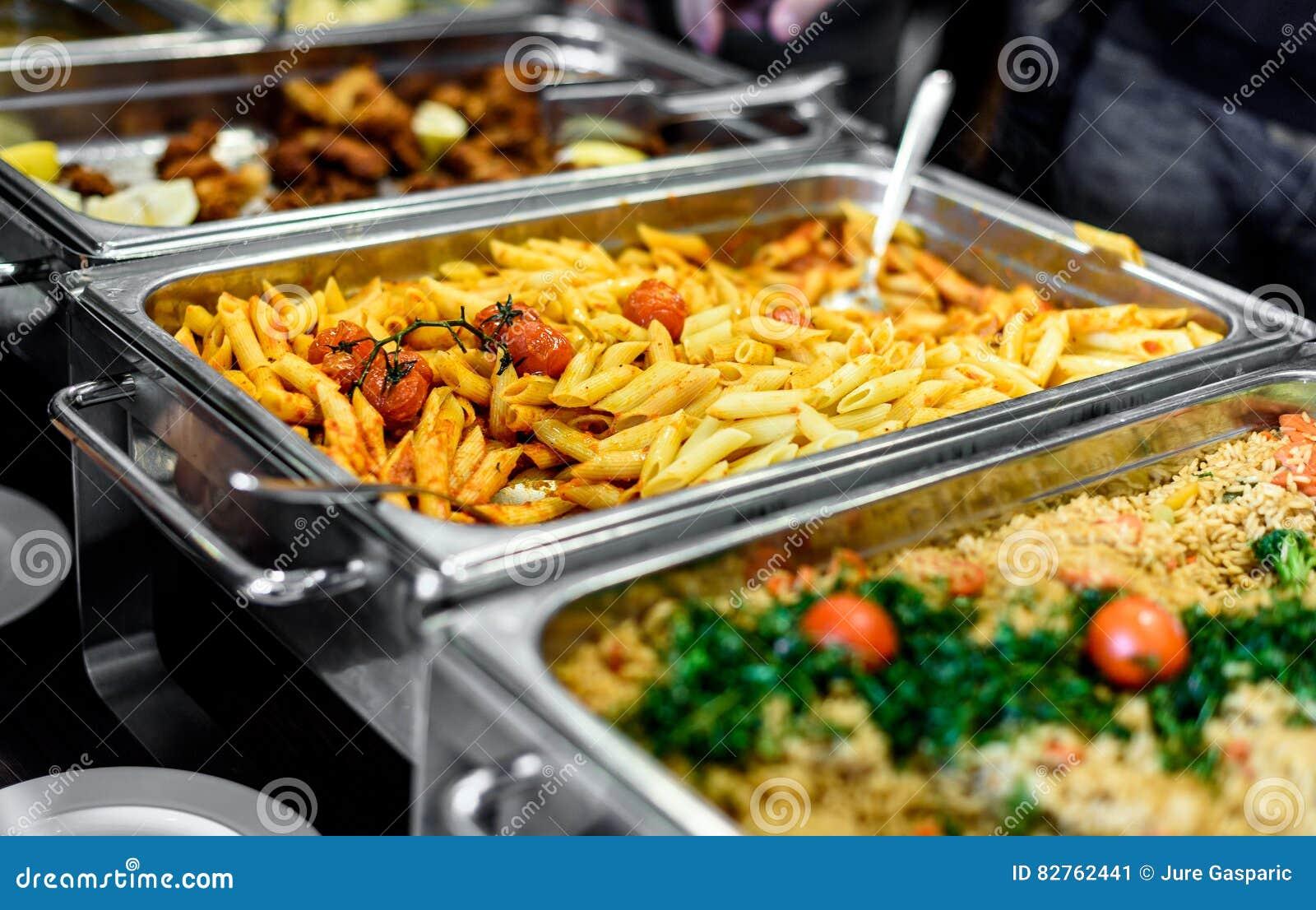 Approvvigionamento culinario della cena del buffet di cucina che pranza celebrazione dell alimento