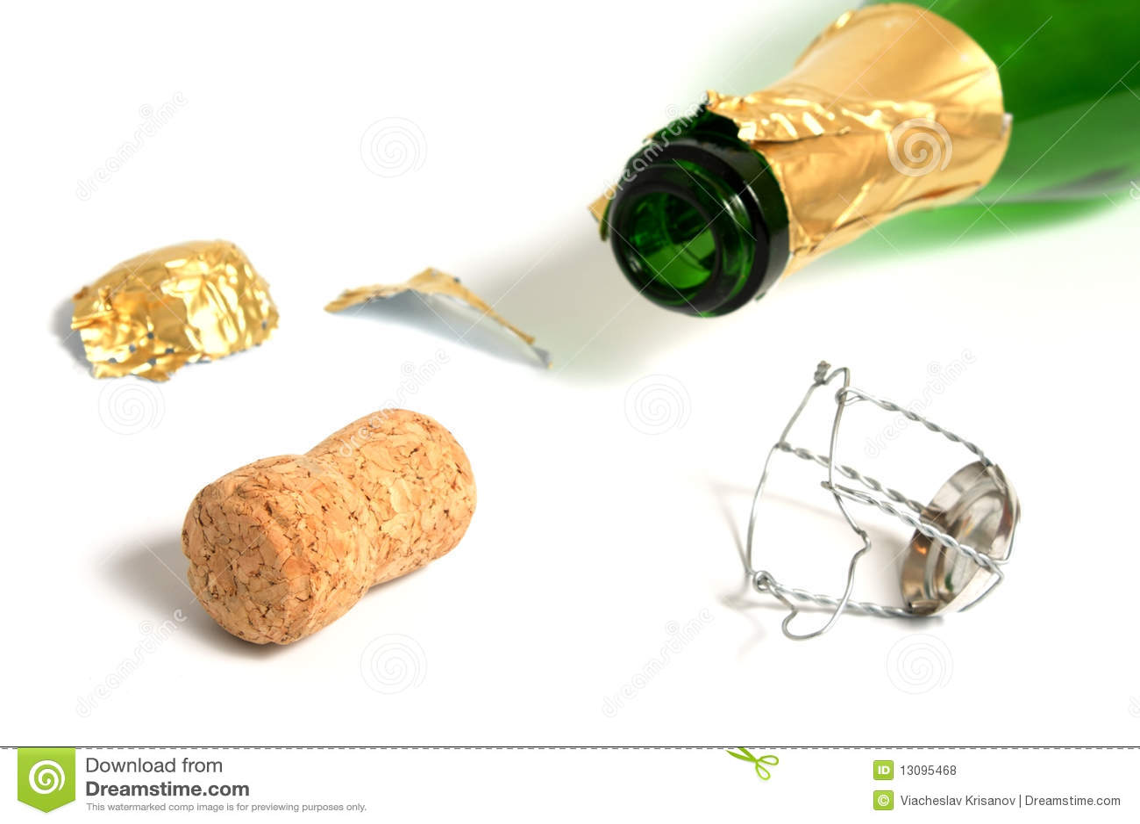 Apra la bottiglia vuota del champagne