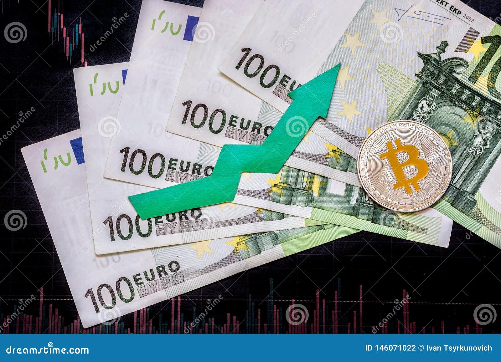 Aprecia??o do bitcoin virtual do dinheiro Seta verde e Bitcoin de prata em cem contas do euro e ?ndices da carta dos estrangeiros