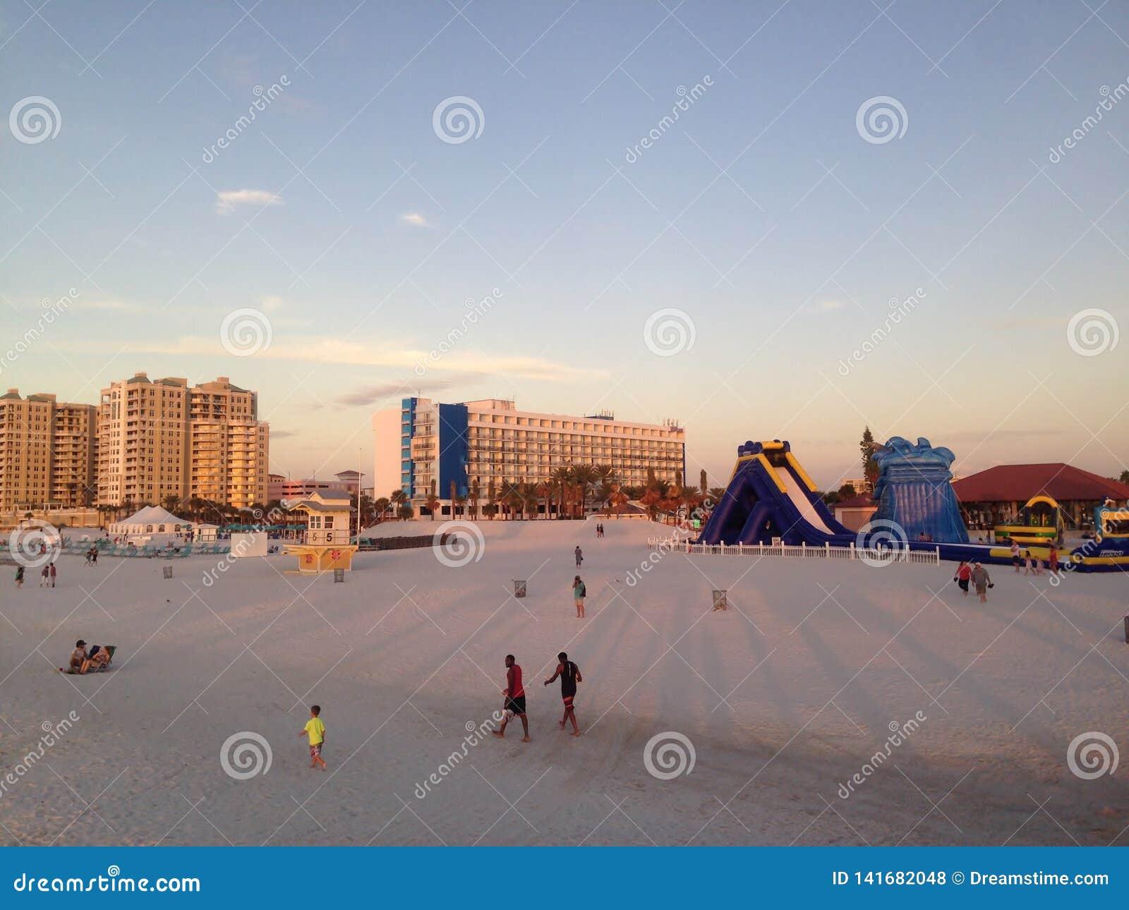 Aprecie a areia de Clearwater, Tampa