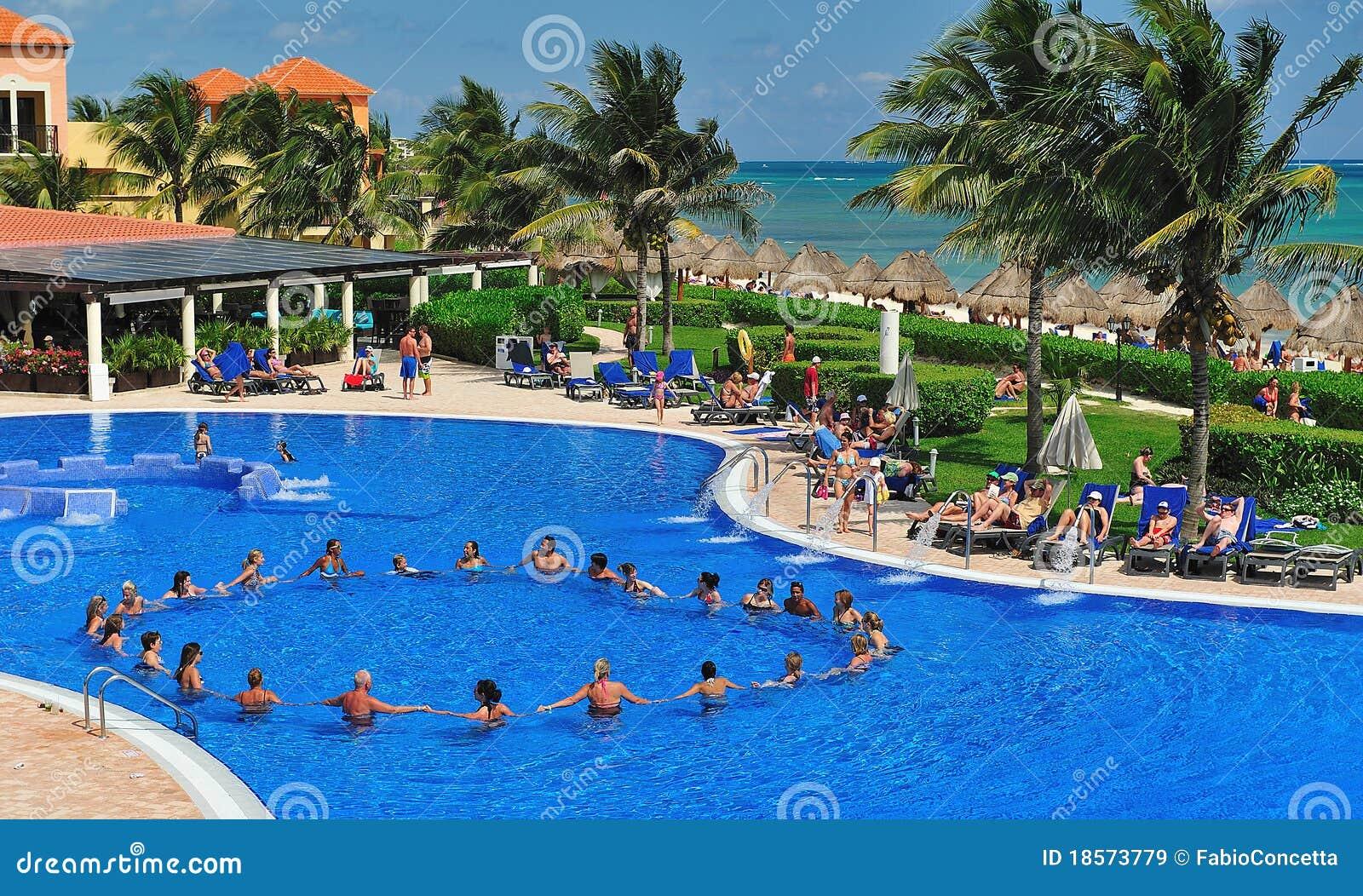 Aqua gymnastiek in de pool