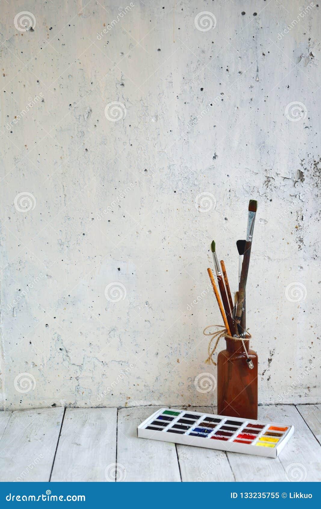 Aquarelle Et Peintures à L Huile Brosses Image Stock