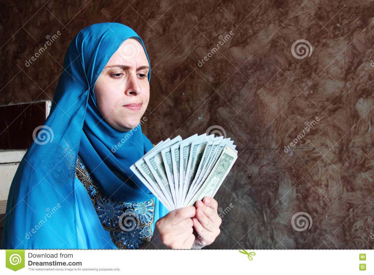cash muslim Wnd exclusive refugees sending 'suitcases of welfare cash' home to somalia fbi 'won't touch it' for fear of offending muslims published: 05/18/2016 at.