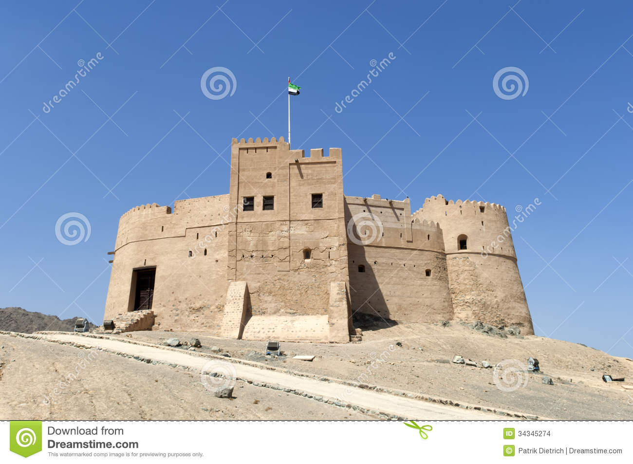 Fujairah United Arab Emirates  City new picture : Arabian Fort in Fujairah, United Arab Emirates.