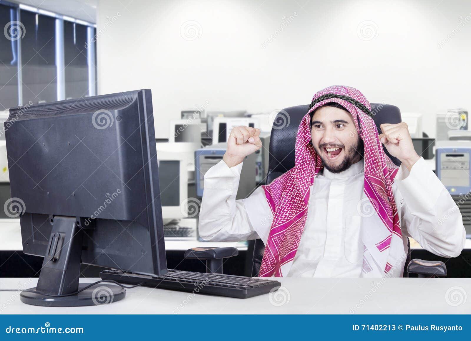 Arabian worker celebrates his success