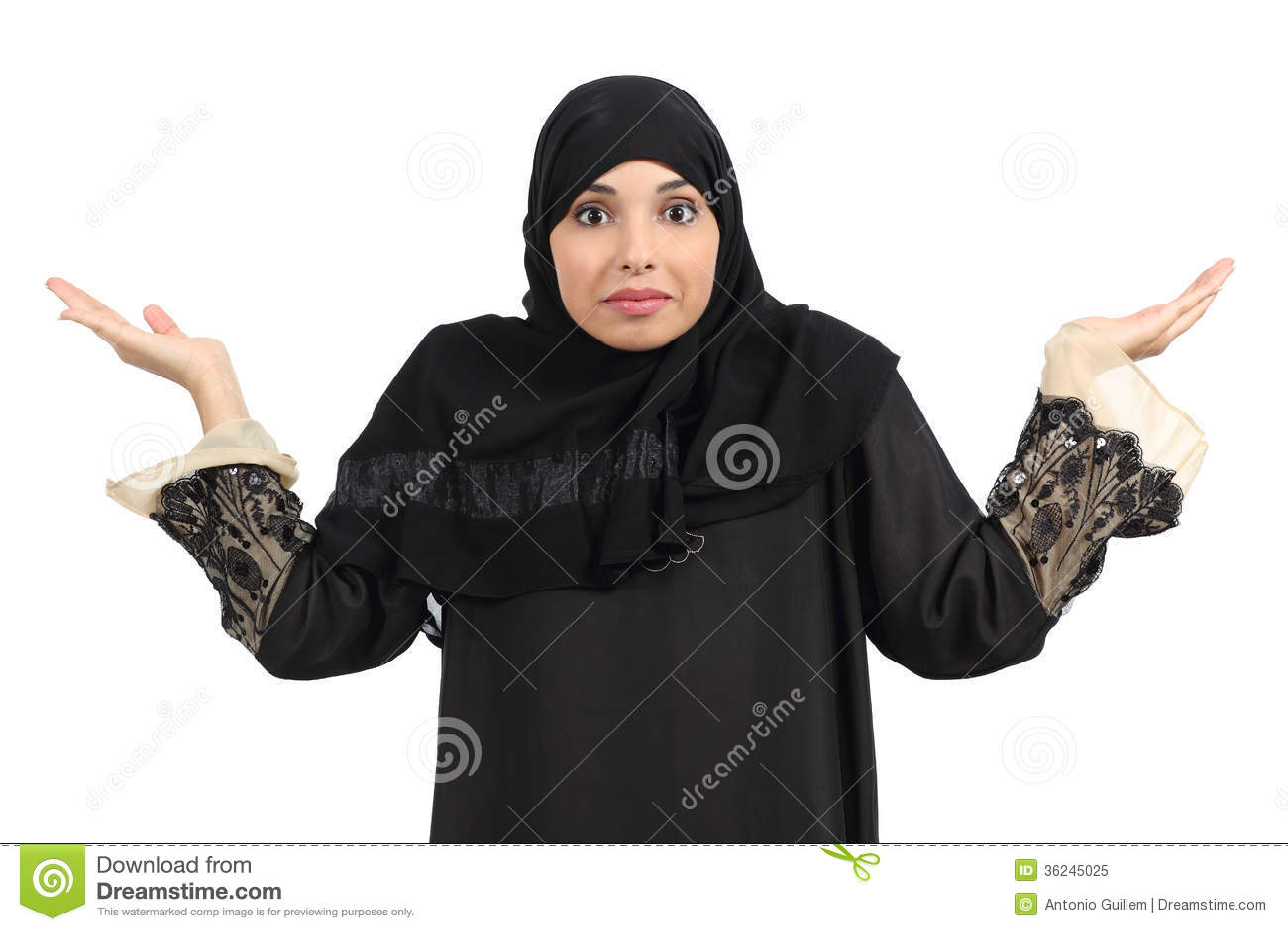 Arabska kobieta wątpi i gestykuluje