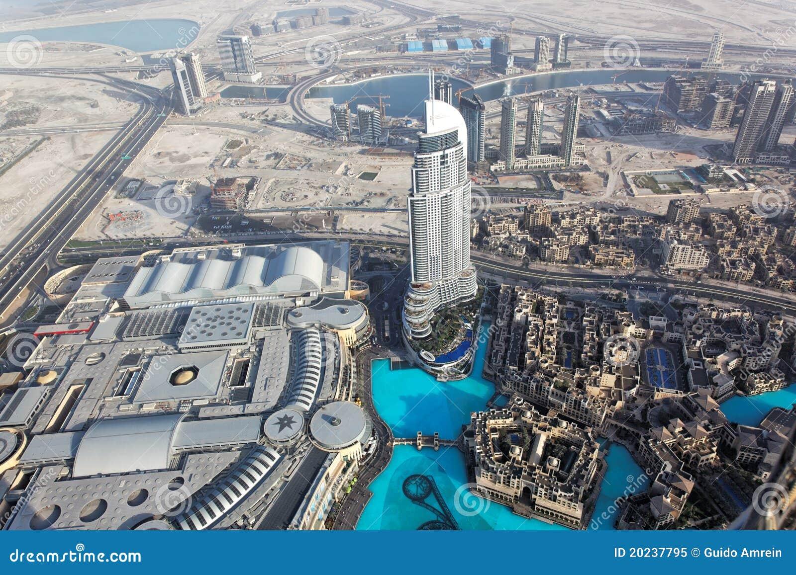 Arabskiego burj Dubai emiratów khalifa zlany widok