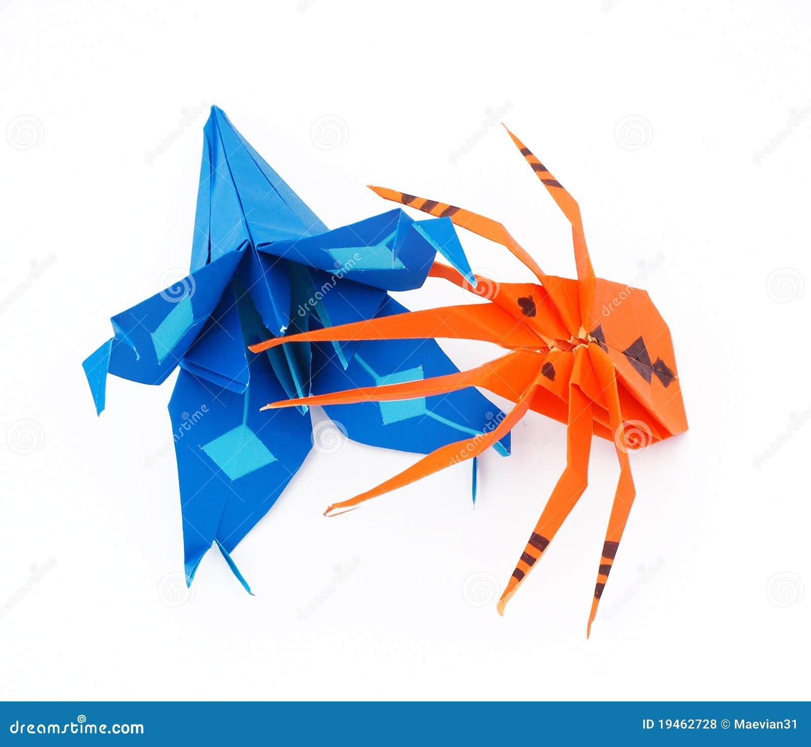 araignée d'origami et lis bleu photo stock - image du orange, jouet