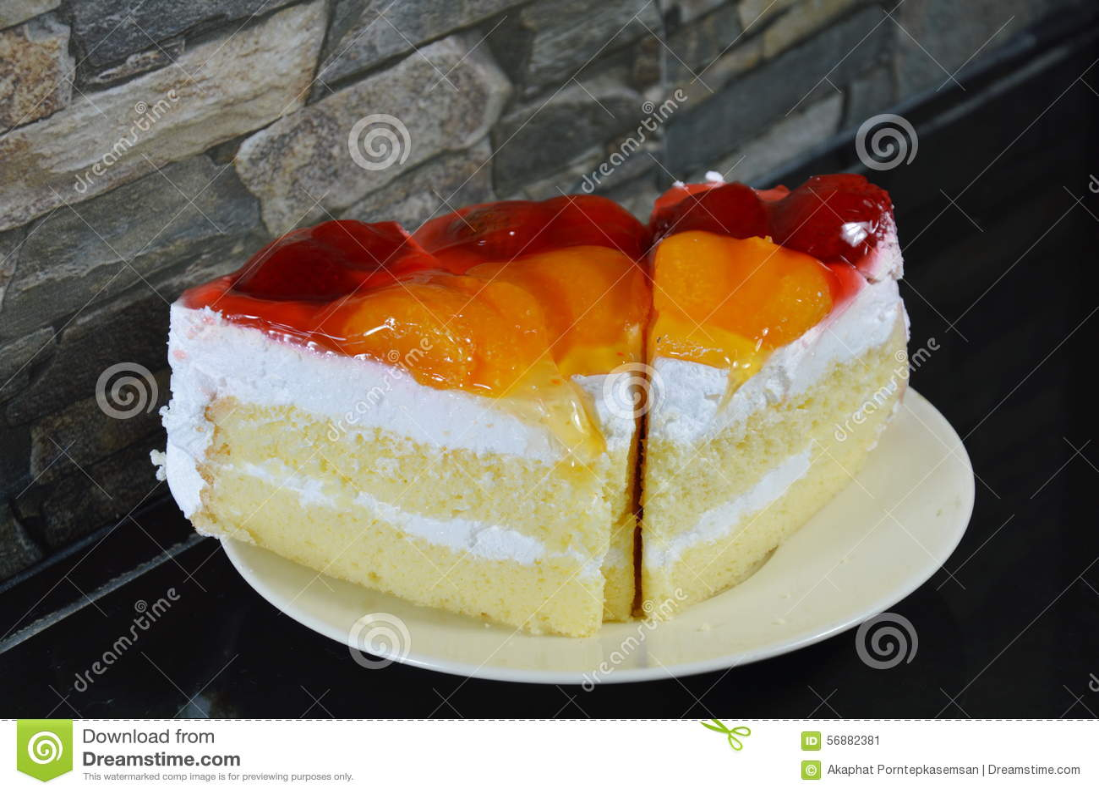 Arancia e fragola della guarnizione del dolce della frutta