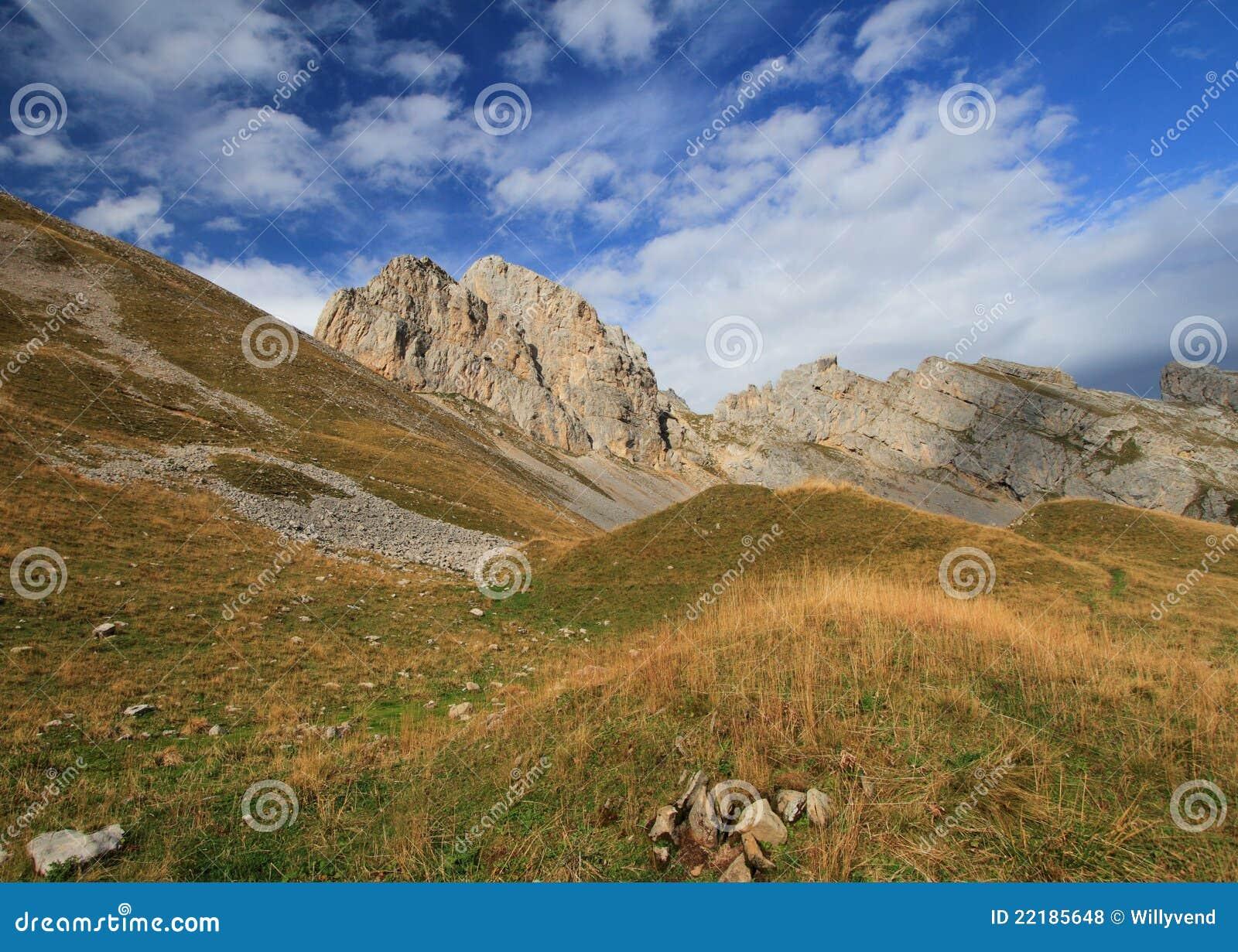 Aravis, paisaje de la montaña