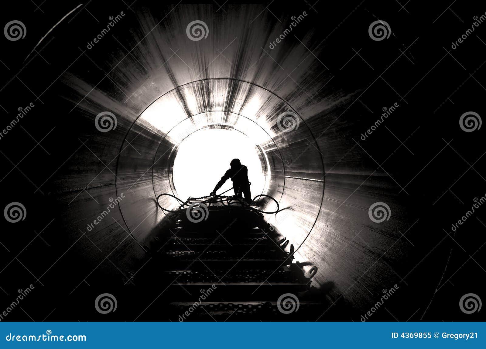 Arbeider op industriële plaats