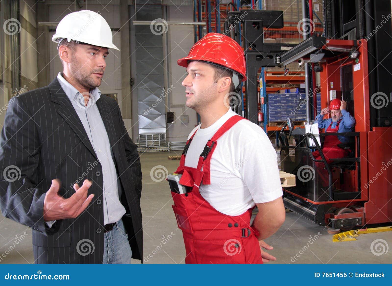 Arbeiders in fabriek