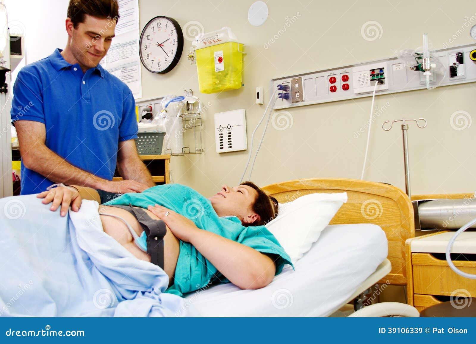 Arbeids geduldige gevende echtgenoot een glimlach