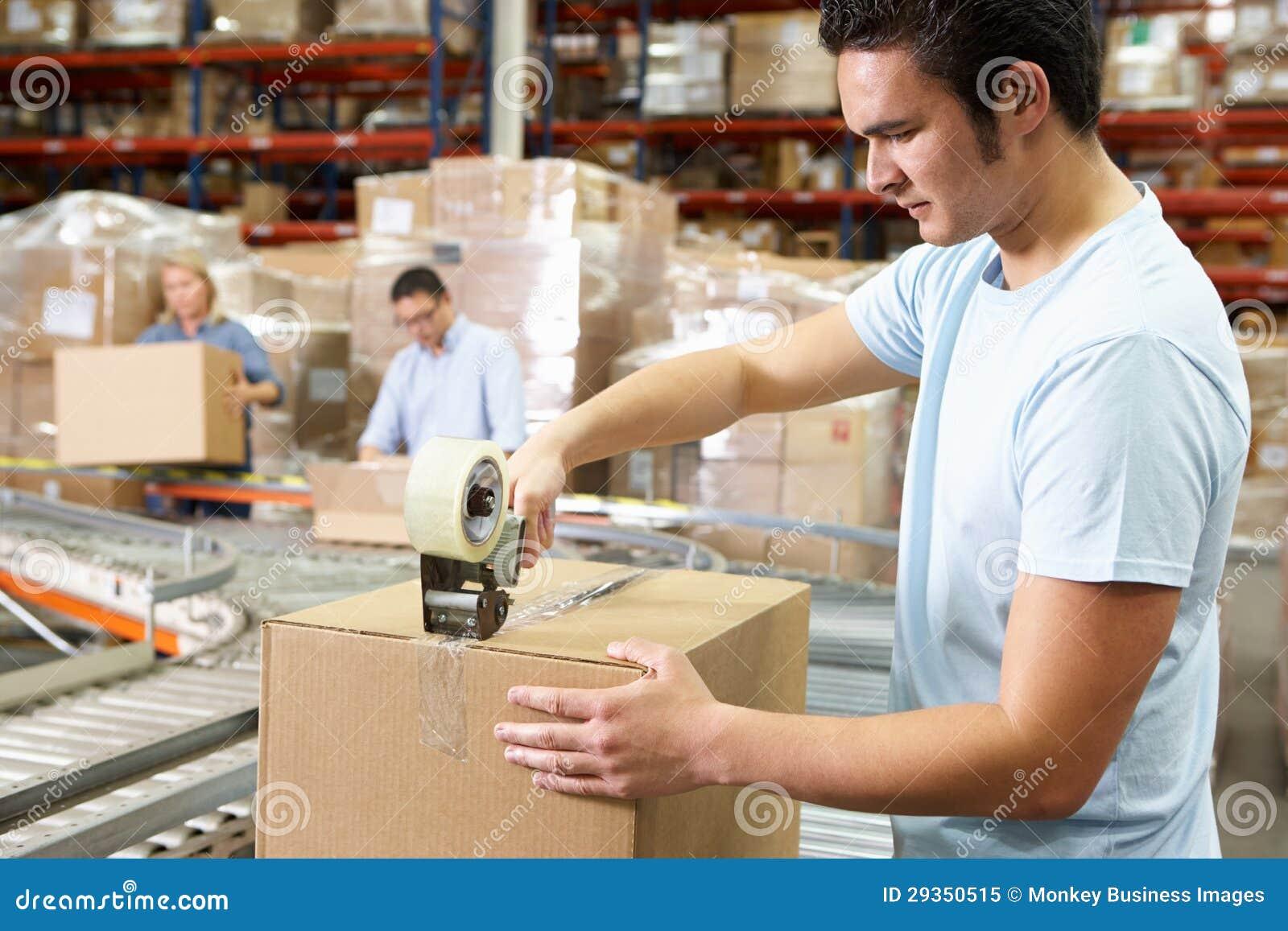 Arbeitskräfte im Lagerhaus