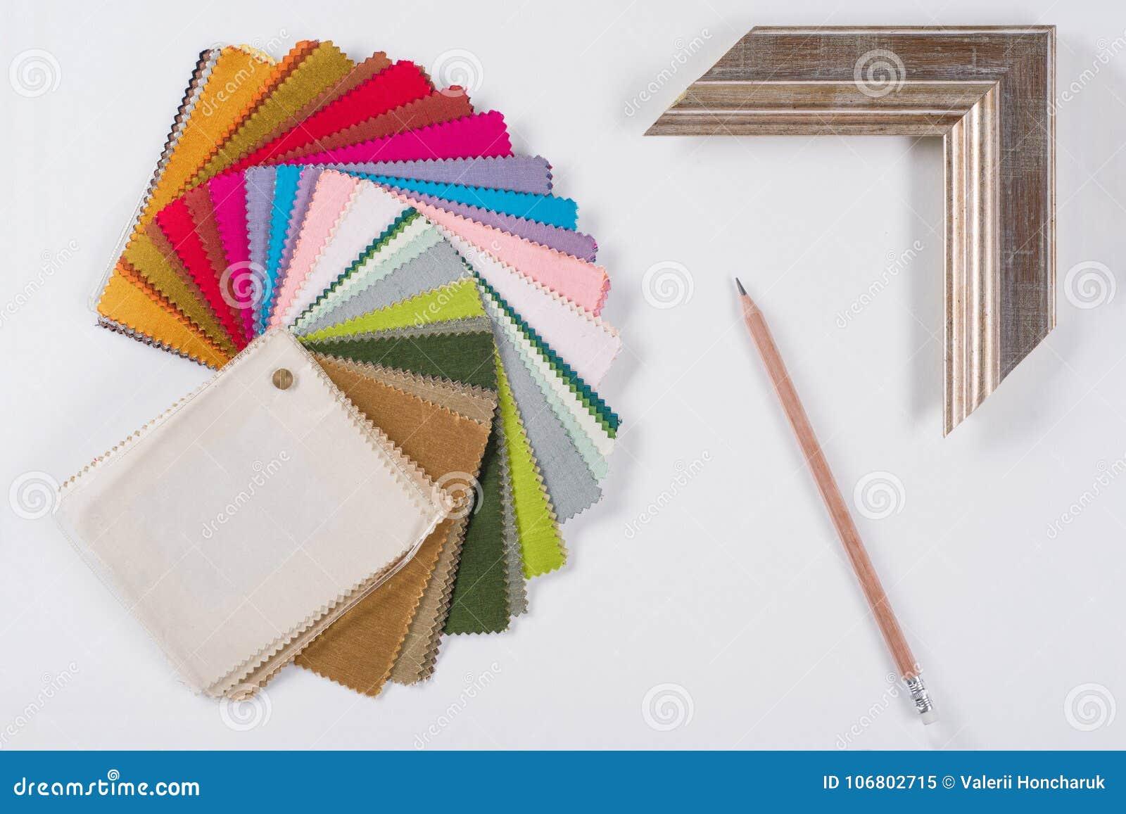 Download Arbeitsplatz Des Architekten, Designer Mit Zeichnungen, Proben Von Dekorativen Materialien Stockbild - Bild von farbe, hand: 106802715