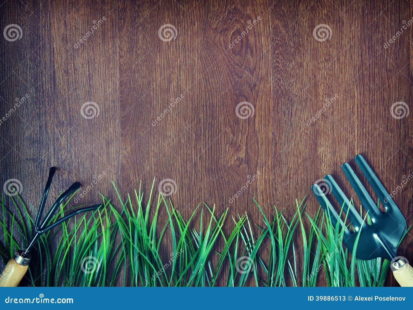 Arbeta i trädgården hjälpmedel och gräs